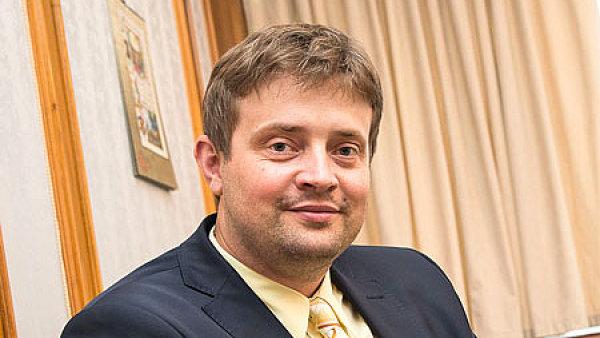 Daňovým kontrolám se nyní podle šéfa Genrálního finančního ředitelství Martina Janečka věnuje asi 3500 lidí.