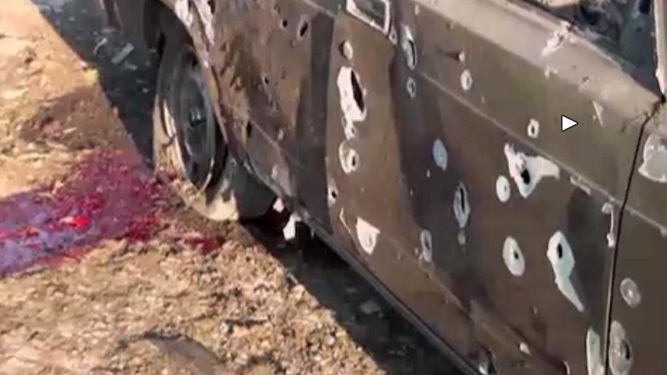 Auto, které zničila střelba u Náhorního Karabachu.