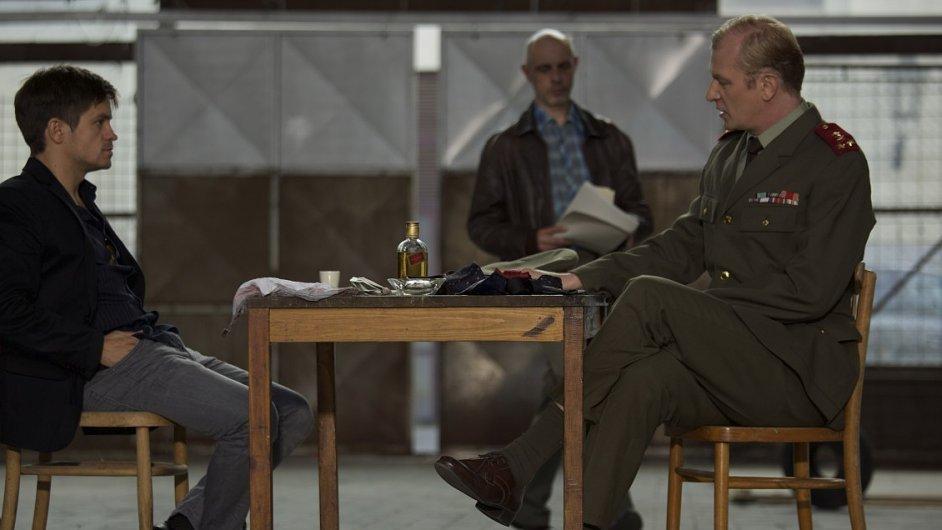 Snímek z filmu Vlk z Královských Vinohrad režiséra a scenáristy Jana Němce.