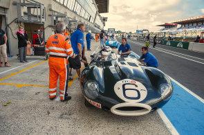 Klasické vozy nepatří do muzea. V Le Mans i závodí