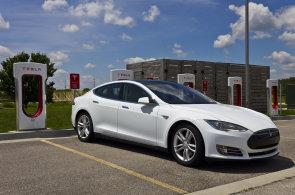 Počet elektromobilů se v loňském roce zdvojnásobil. Po celém světě jich jezdí rekordní dva miliony