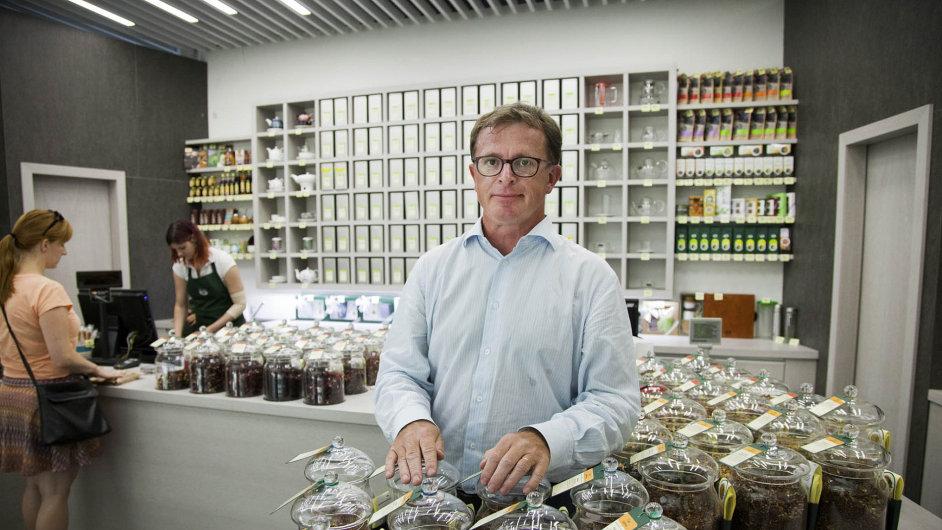 Mezi čajem akávou: Petr Zelík založil Oxalis vroce 1994. Firma prodává přes 400 druhů čaje a50 druhů kávy.