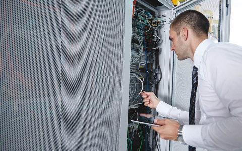 Na trhu práce zoufale chybí IT odborníci