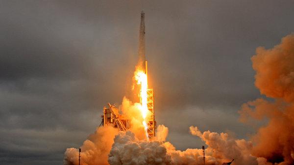 Kabina Dragon, která letí k ISS, už ve vesmíru byla roku 2014 - Ilustrační foto.