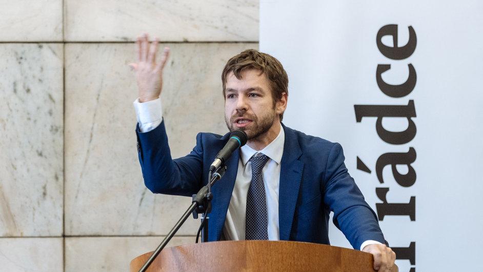 Pelikán, konference