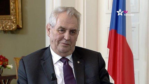Prezident Miloš Zeman se v dubnu návštěvy Bílého domu zřejmě nedočká.