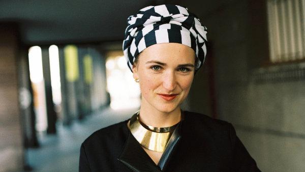 Kamila Boudová, odbornice na módní obchod a udržitelnou módu.