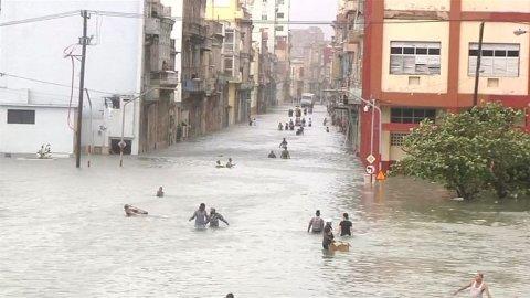 Hurikan_Irma_devastoval_Kubu._Cast_Havany_je_pod_vodou.jpg