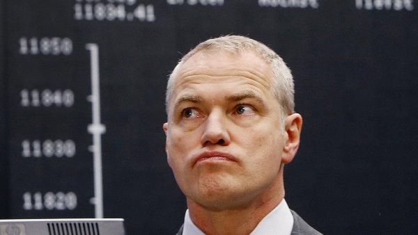Šéf Deutsche Börse odstoupí, je podezřelý ze zneužití informací.