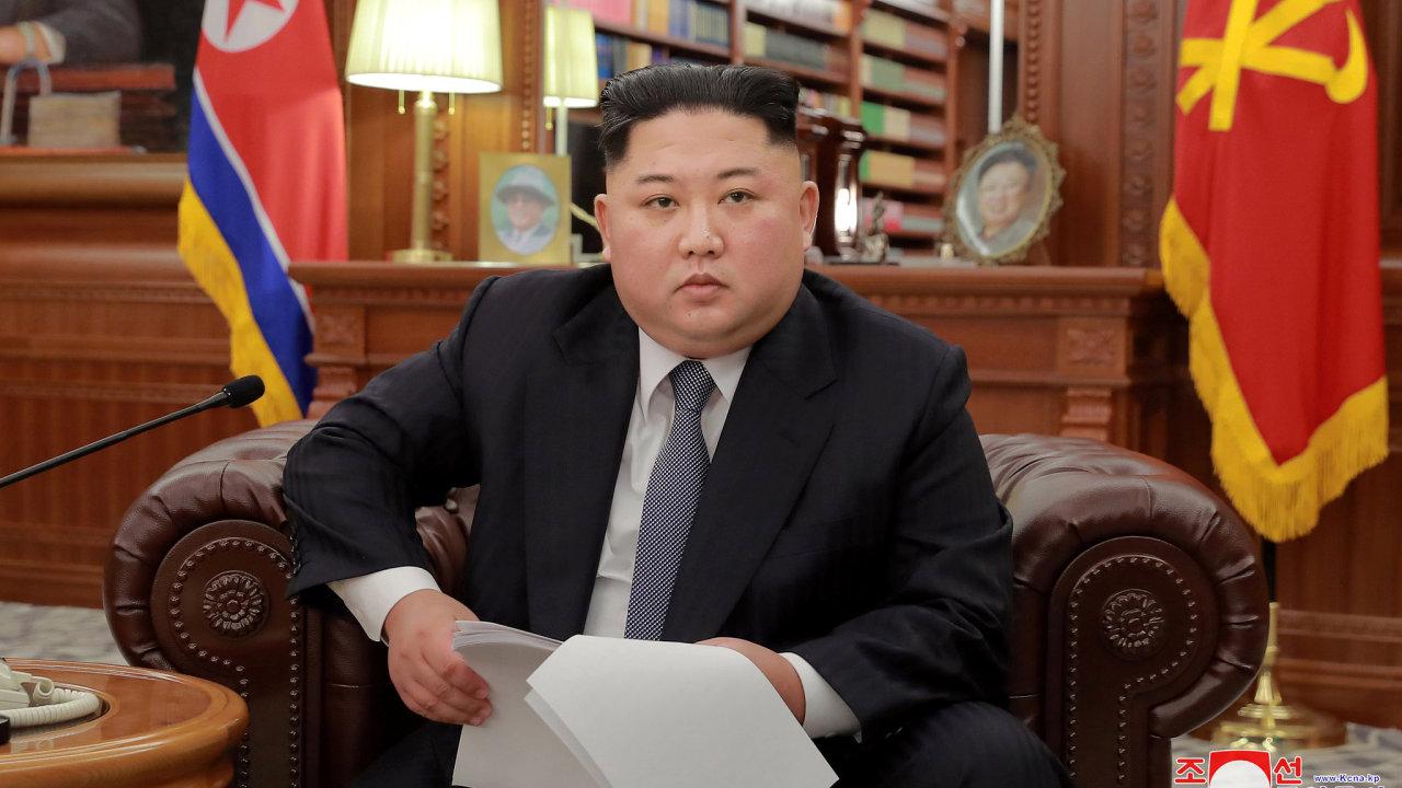 Pokud USA špatně odhadnou trpělivost našeho lidu, KLDR nebude mít jinou možnost než hledat novou cestu, aby ochránila svou suverenitu, varoval v novoročním projevu severokorejský vůdce Kim Čong-un.