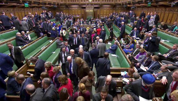 Hlasování v Dolní sněmovně britského parlamentu.