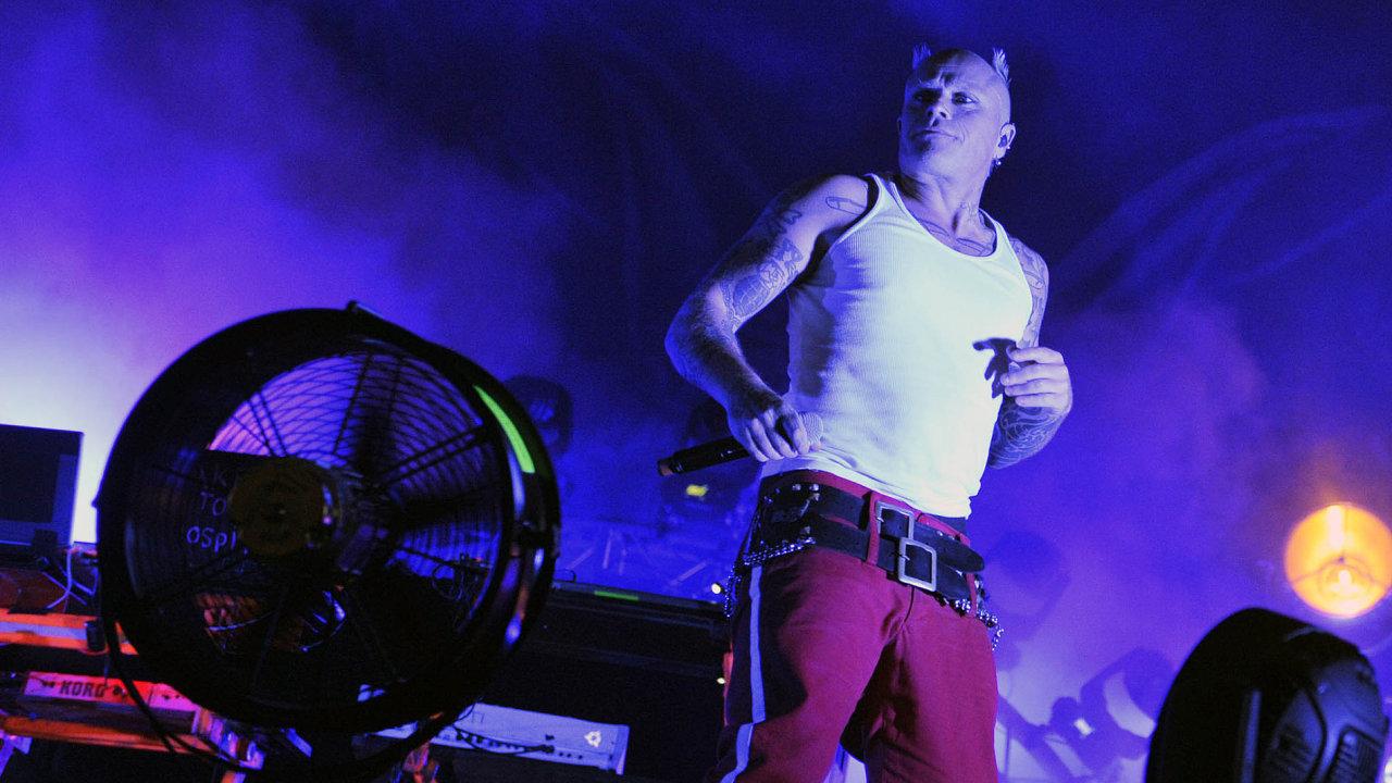 Koncerty kapely Prodigy (na snímku Keith Flint) vždy patřily k silným, až fyzickým zážitkům.