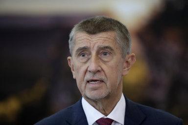 Babiš koncem února řekl, že stát bude v březnu a dubnu jednat se zahraničními operátory ohledně zavedení čtvrtého operátora na český trh.