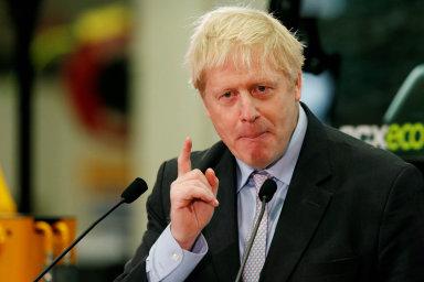 Hlavní kandidát na příštího britského premiéra Boris Johnson by dohodnutou platbu 39 miliard liber (1,12 bilionu korun) jako finanční vyrovnání s Evropskou unií pozdržel.