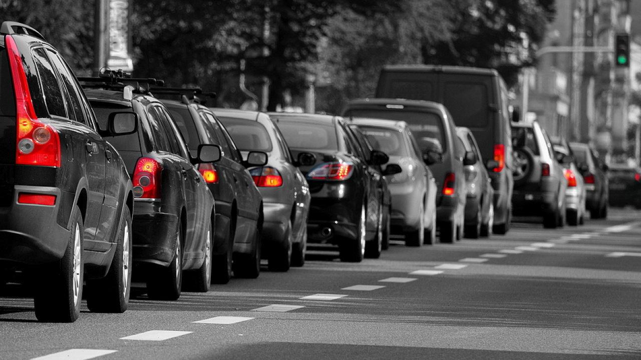 Češi nechtějí ztrácet čas cestou do zaměstnání - ilustrační foto.