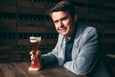 Rozhlasový redaktor Filip Nerad se prohlašuje zabenešovského pivního patriota. Belgie ho coby fanouška piva uchvátila.