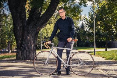 Soud zakázal prodej tradičního českého kola Favorit. Kvůli sporu o jeho podobu mezi majitelem firmy a designérem