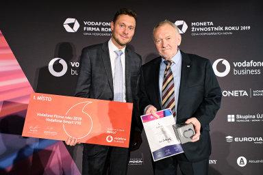 Pavel Koutný (vlevo) zvítězil v kategorii Firma roku a nejlepším živnostníkem v Olomouckém kraji se stal Jiří Žákovský.