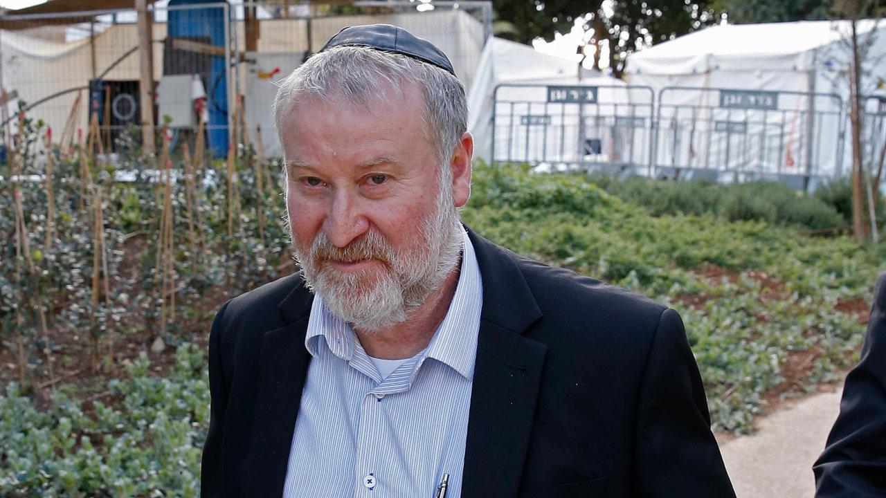 Dojednání onové vládě zasáhl generální prokurátor Izraele Avichaj Mandelblit. Obvinil premiéra Benjamina Netanjahua zkorupce.