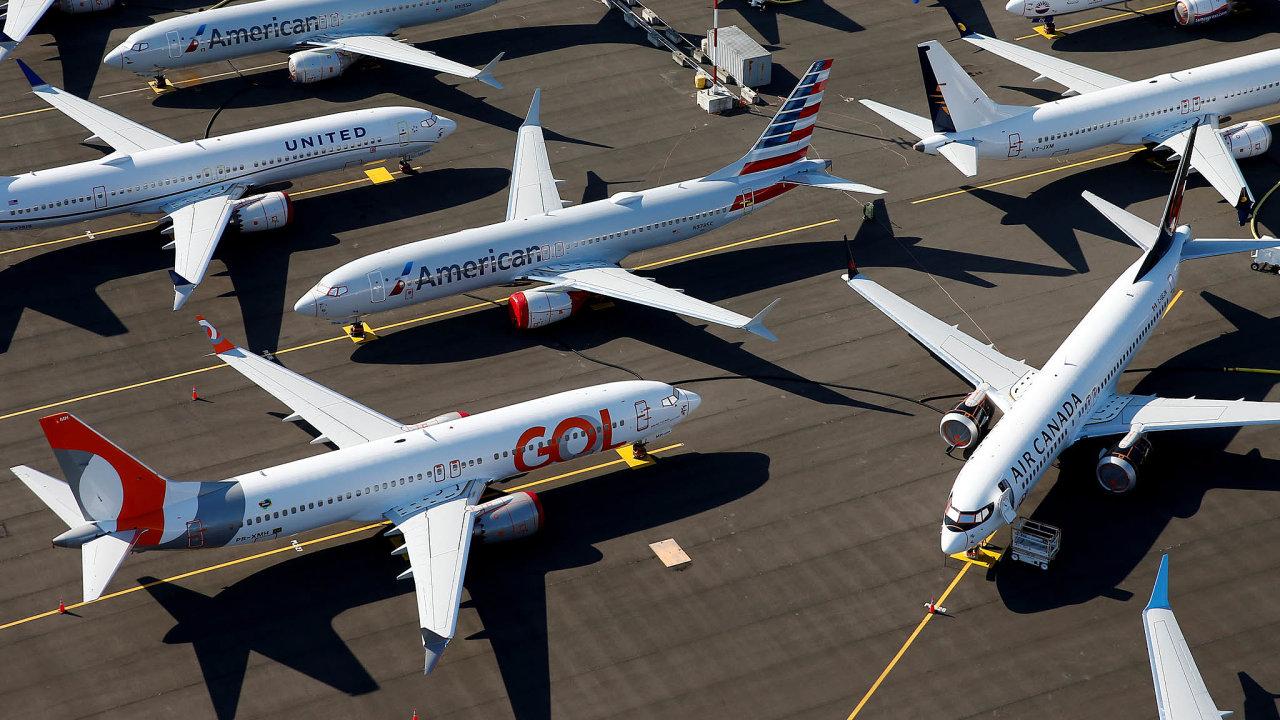 Kam snimi? Výroba Boeingů 737 Max stále probíhá. Utovárny nedaleko Seattlu se proto začínají hromadit hotové stroje, které čekají, než jim úřady povolí znovu létat.