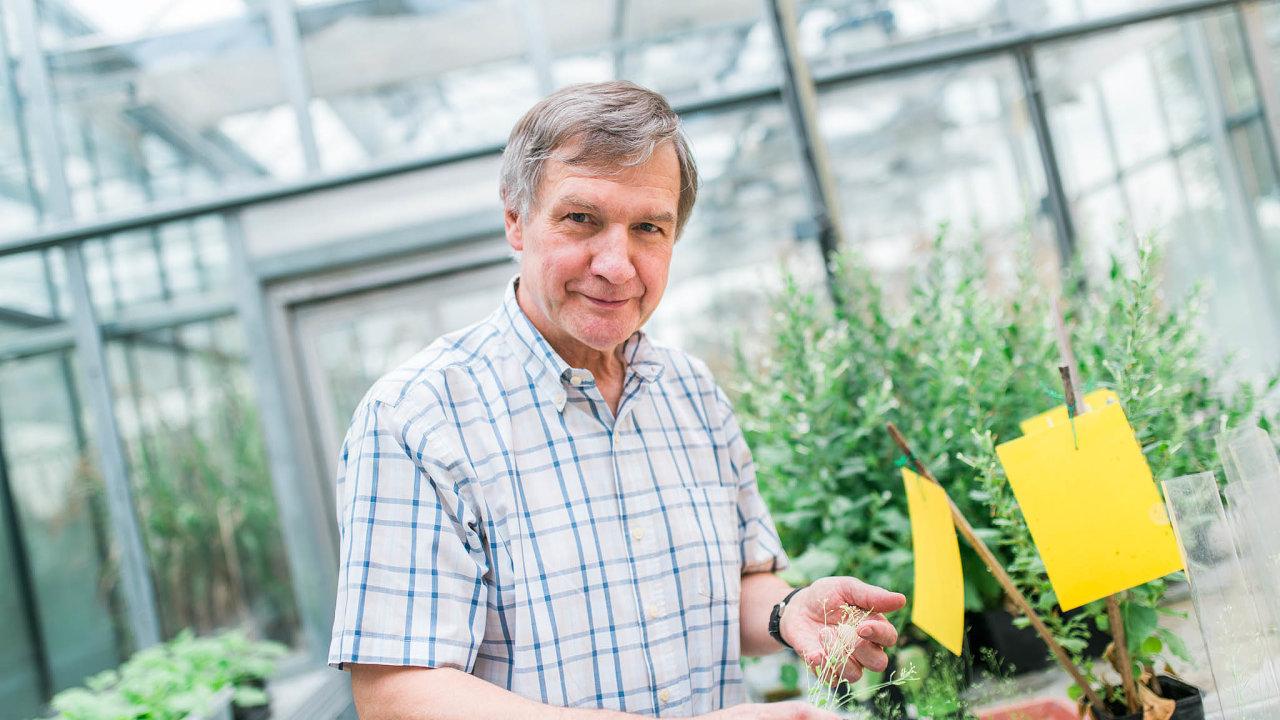Riziko hladomoru odvrátíme jen tehdy, pokud se produkce potravin do roku 2050 ve srovnání se začátkem tisíciletí zdvojnásobí, tvrdí Jaroslav Doležel z Ústavu experimentální botaniky Akademie věd ČR.