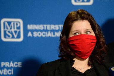 Podobu kurzarbeitu by podle ministryně práce a sociálních věcí Jany Maláčové měla vláda schválit ve středu večer.