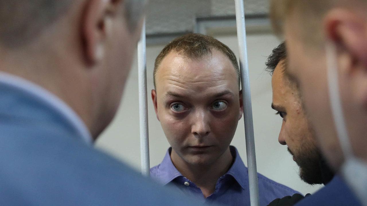 Bývalý ruský novinář Ivan Safronov je obviněný zvlastizrady kvůli údajné spolupráci sčeskou rozvědkou.