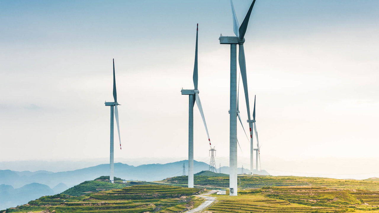 Tržní hodnota společnosti NextEra, jež sídlí naFloridě, se odzačátku roku zvýšila opětinu adosáhla 142 miliard USD. Podnik má větrníky asolární elektrárny vedle USA ivKanadě.