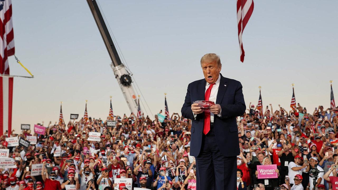 """""""Cítím se tak silný,"""" pronesl americký prezident Donald Trump dodavu veměstě Sanford naFloridě."""