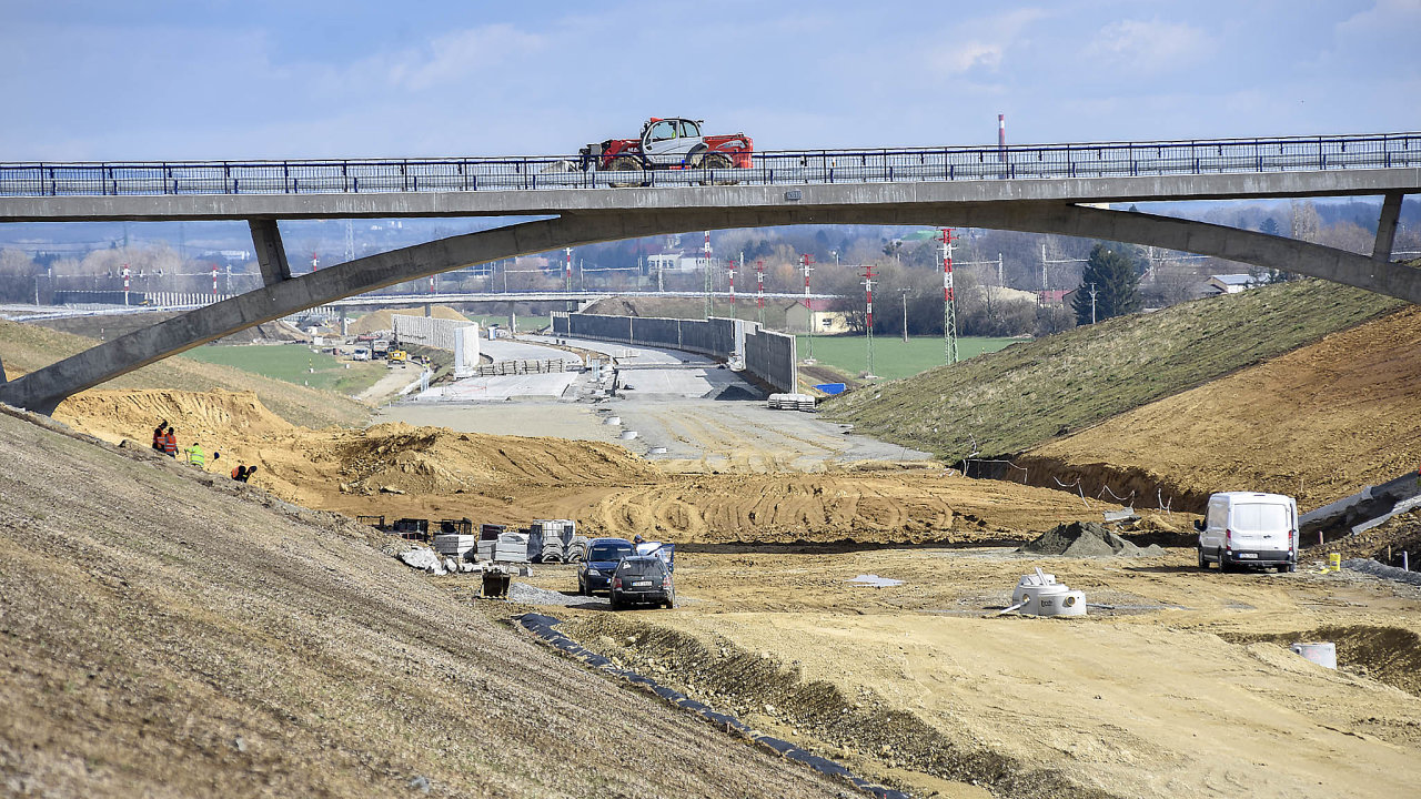 Ředitelství silnic a dálnic (ŘSD) bude letos ke stavbám využívat rekordní rozpočet, který činí 61 miliard korun (ilustrační snímek).