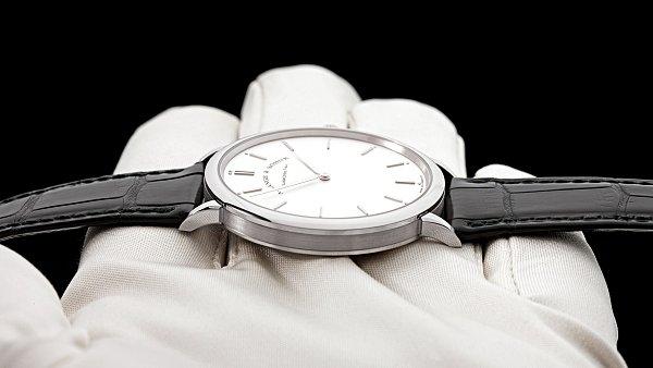 67fbc9339cde Jaké hodinky si vybrat k obleku  Nejlépe tenké