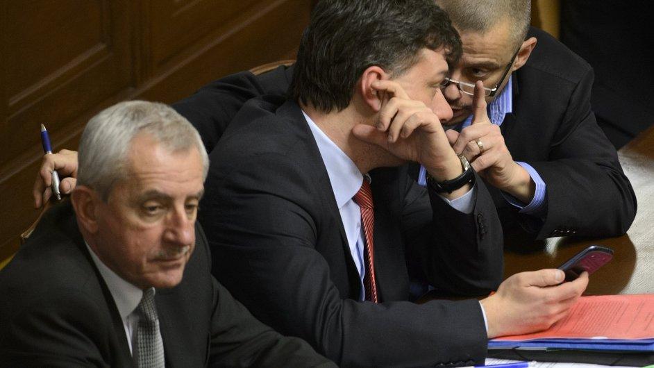 Ministr spravedlnosti Pavel Blažek prosadil svůj návrh na omezení anonymních akcií