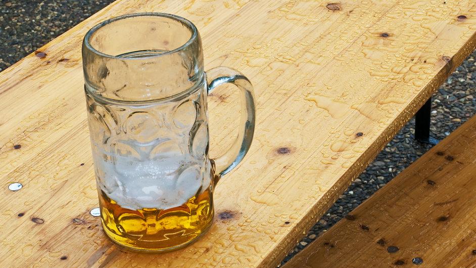 Zhruba 15 procent v minusu ve srovnání s minulým rokem, to je bilance prodeje piva v letošním chladném a deštivém květnu.