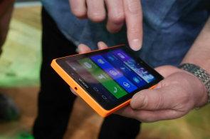 Video a první dojmy z Nokie XL: Extrémně levný Android pro čínský trh může uspět i v Česku