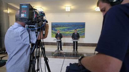 GDPR doléhá na média: Televize očekávají stížnosti a vysoké pokuty, pokud se na obrazovkách objeví například záběry z demonstrací.