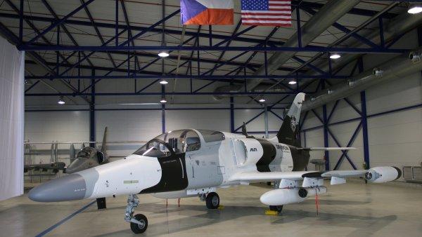 Cvi�n� letoun L-159 proslavil spole�nost Aero Vodochody.