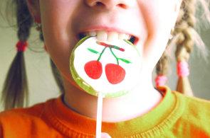 Děti, které odolávají sladkostem, jsou v životě úspěšnější, zjistili vědci