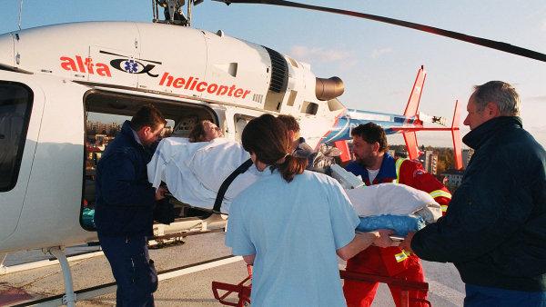 T�askav� zak�zka za miliardy: Vl�dn� koalice se p�e o to, kdo m� provozovat leteckou z�chranku
