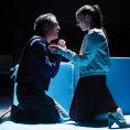Recenze: Divadeln� detektivka na Nov� sc�n� pitv� �ivotn� tajemstv� i naru�enou psychiku