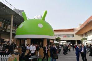 Android předběhne Windows jako nejpoužívanější systém na webu, v Česku mu brání drahá data