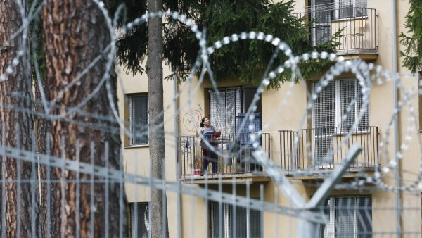 Zadržování kurdské rodiny snažící se dostat z Maďarska do Německa v českém detenčním zařízení bylo nezákonné, uvedl Soudní dvůr EU - Ilustrační foto.