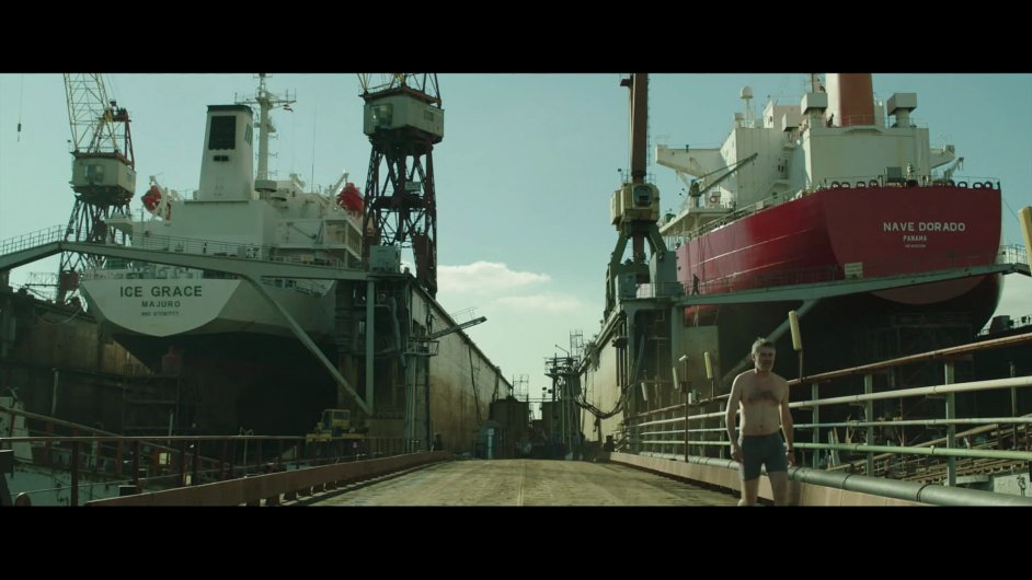 Debutová road movie Out vypráví o padesátníkovi Ágostonovi.