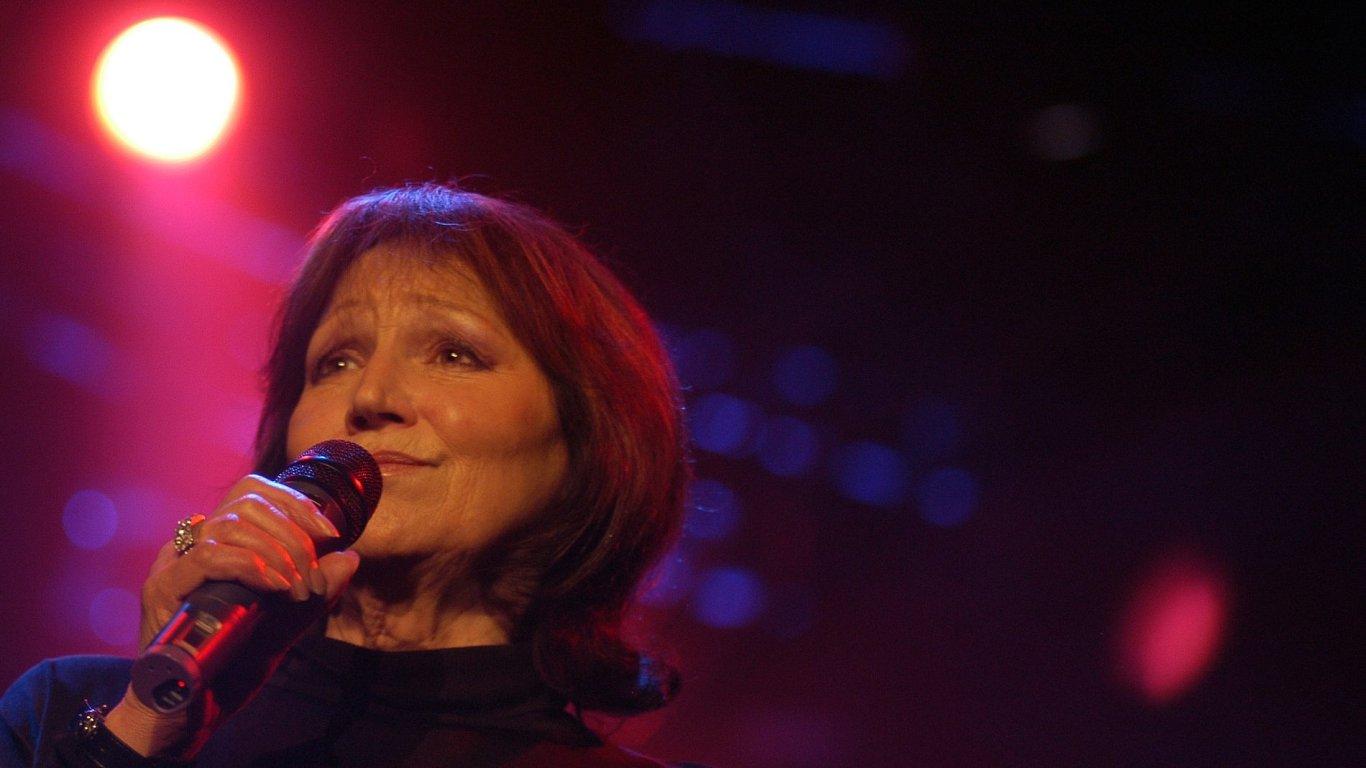Marta Kubišová je na archivním snímku z prosince 2005.