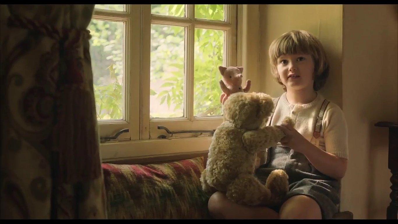 Snímek z filmu Goodbye Christopher Robin.