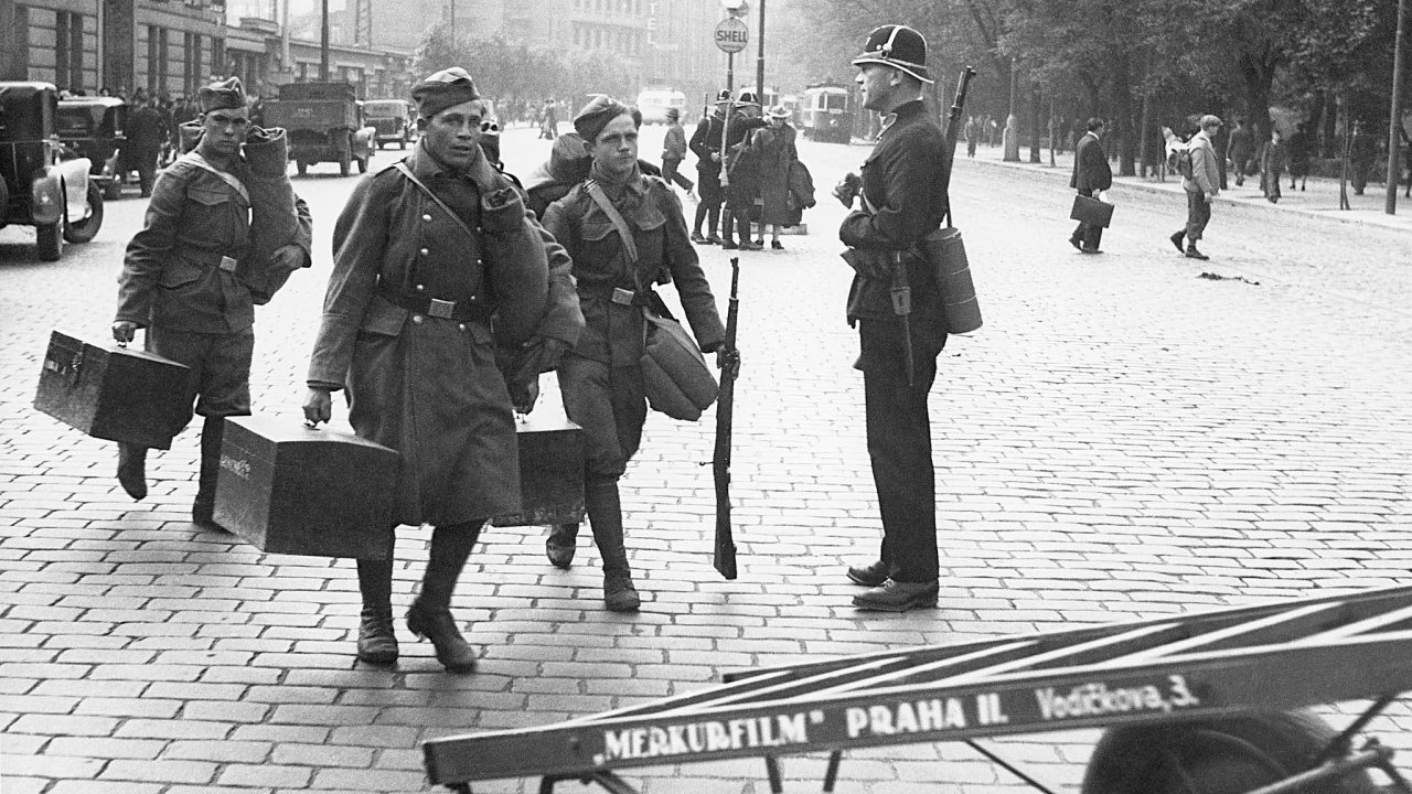 V září 1938 byly stovky tisíc Čechoslováků odhodlány bránit svou vlast, která se z vojenského hlediska ubránit nedala.