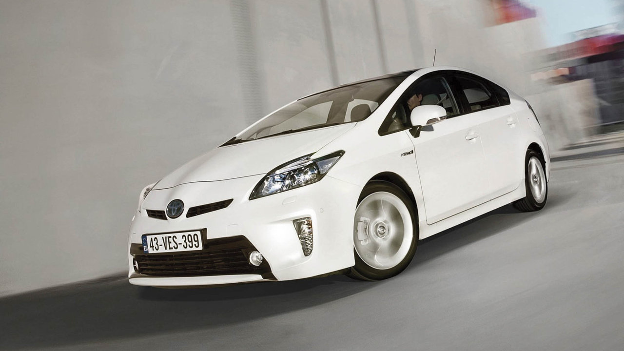 Hybridní auto Toyota Prius.