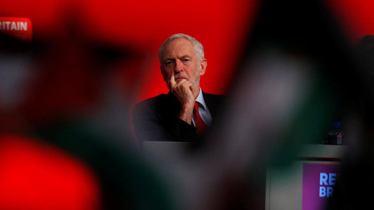 Jeremy Corbyn předseda opoziční Labouristické strany.