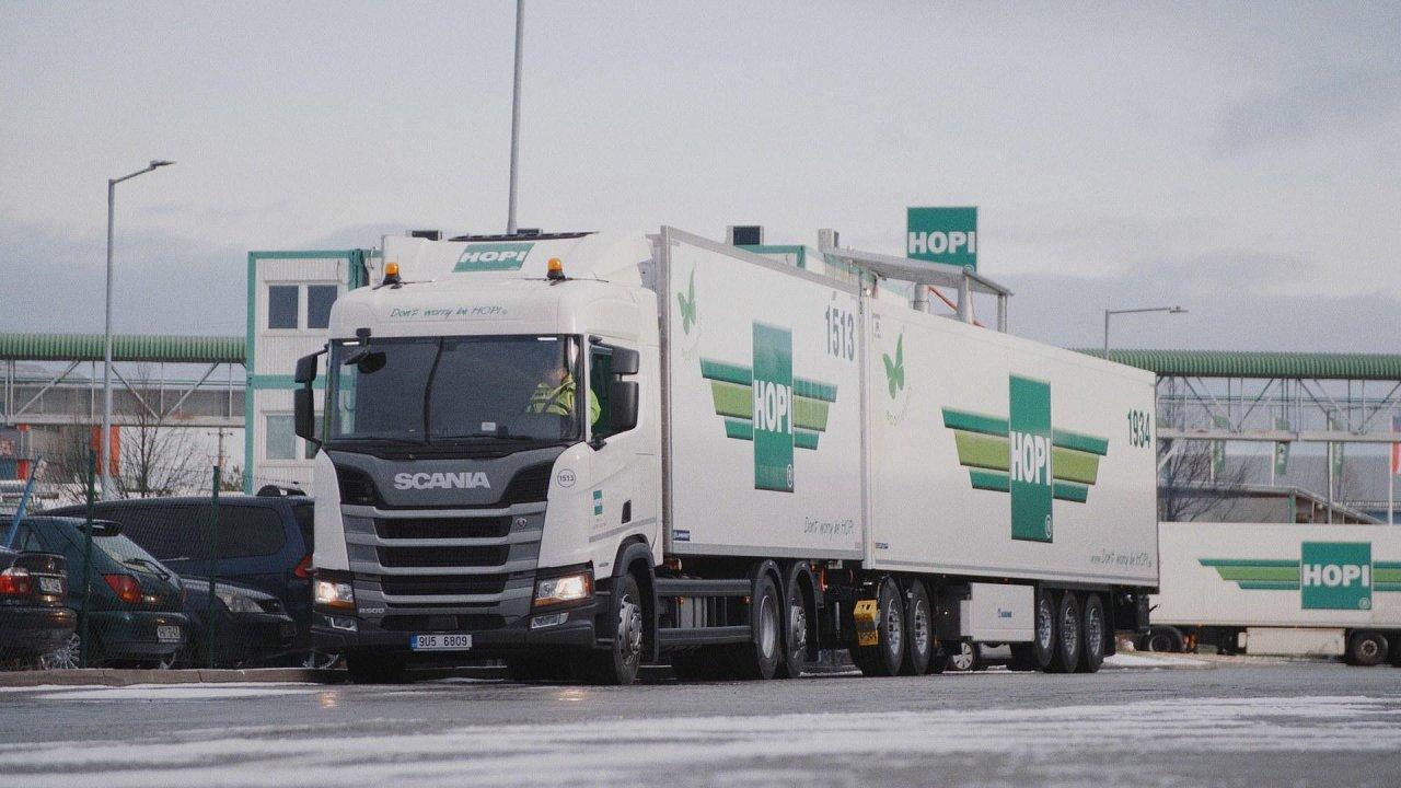 Společnost HOPI spustila provoz silniční nákladní soupravy s nadlimitní délkou 25,25 metru