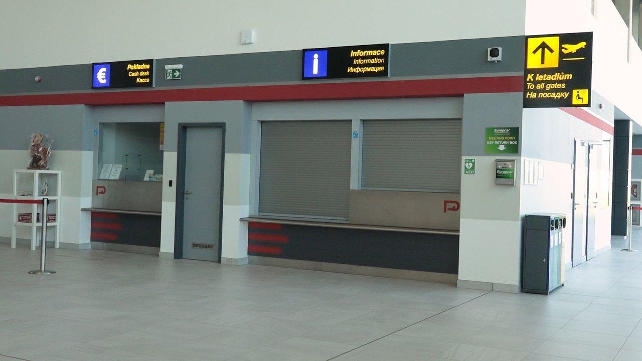 Pardubické letiště je vybaveno jako každý jiný mezinárodní vzdušný přístav. Chybí jediné: cestující.