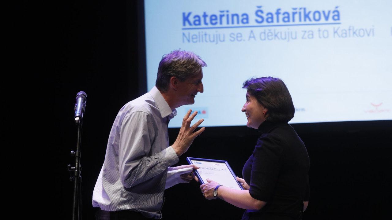 Ocenění za nejlepší rozhovor si odnesla Kateřina Šafaříková z Respektu za interview